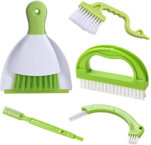 cleaning brushes green and white