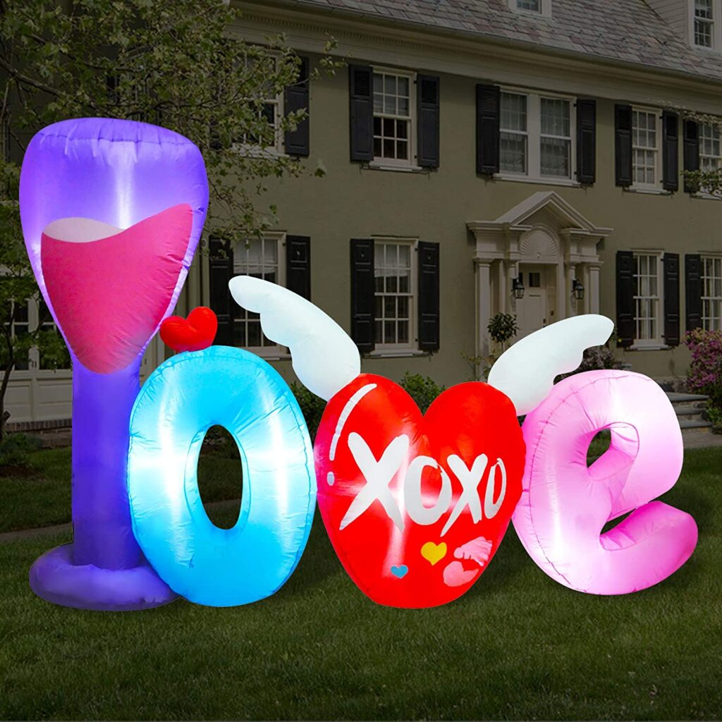 Valentines Day - spread love - lawn blow up