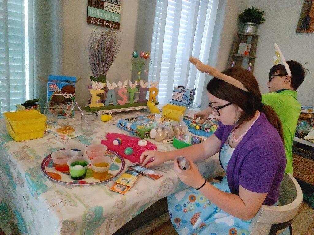 egg coloring on easter