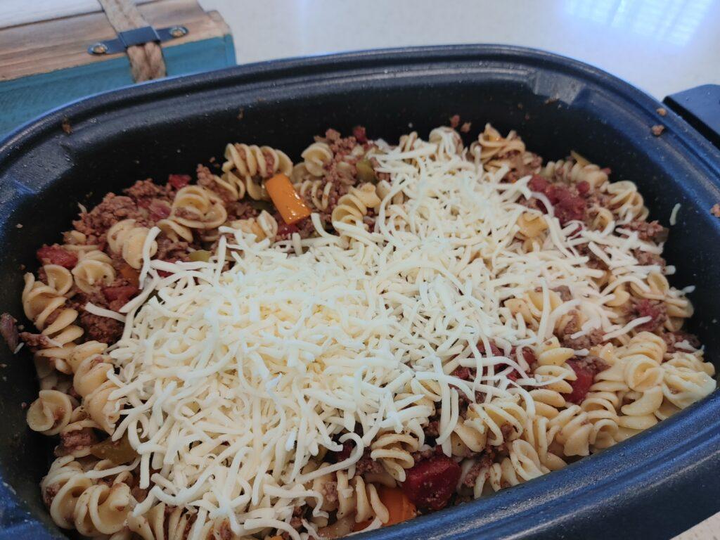 cheesy crockpot pasta